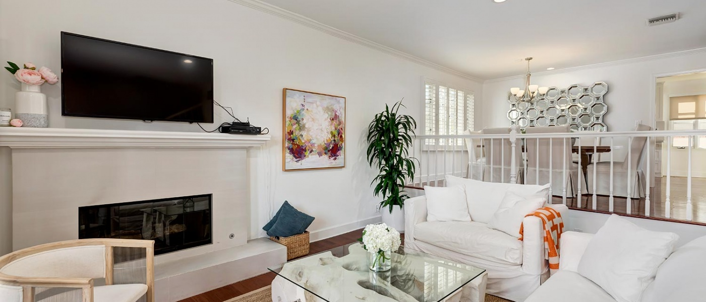 128 Georgina Avenue,Santa Monica,90402,2 Bedrooms Bedrooms,2 BathroomsBathrooms,Condominium,Georgina Avenue,1062